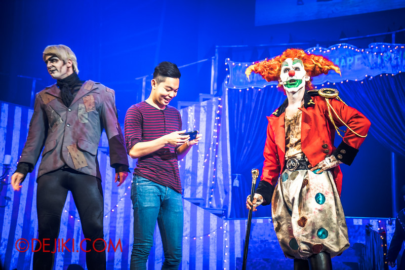 Halloween Horror Nights 4 - Jack's Nightmare Circus - The contortionist 1