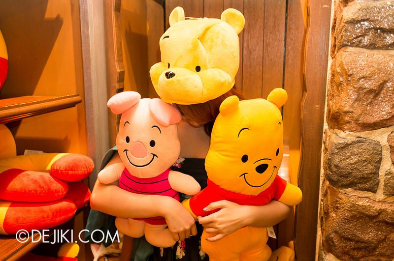 Tokyo Disneyland - Pooh's Hunny Hunt, Pooh Corner 6