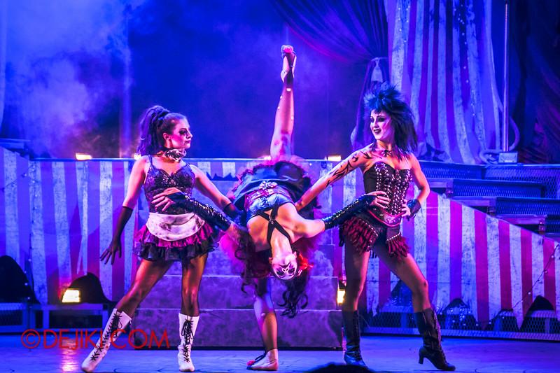 Halloween Horror Nights 4 - Jack's Nightmare Circus - The Girls 3
