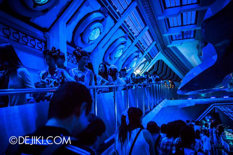 Tokyo Disneyland - Tomorrowland / Space Mountain 12