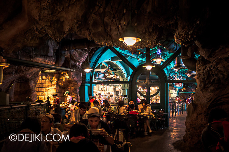Mysterious Island - Vulcania Restaurant 13