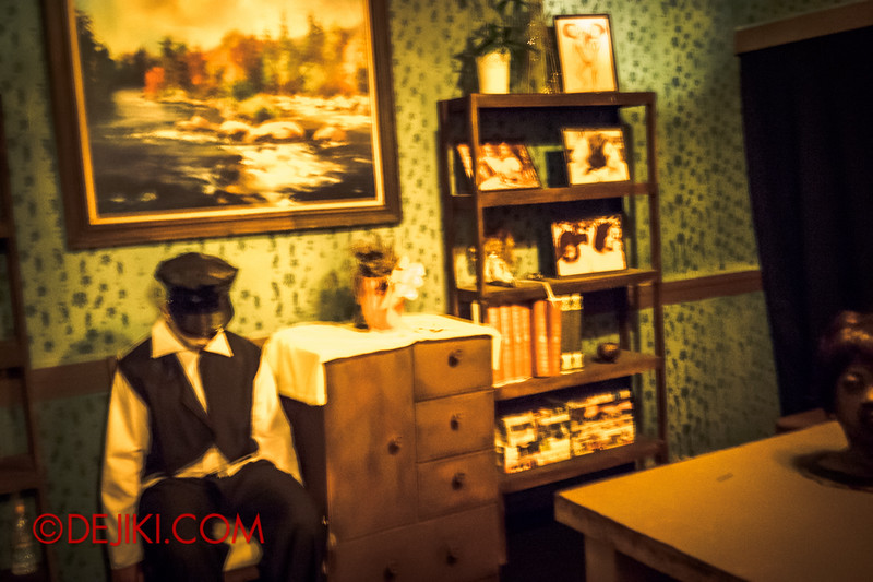 Sentosa Spooktacular 2014 - ALONE Haunted House / Inside the House