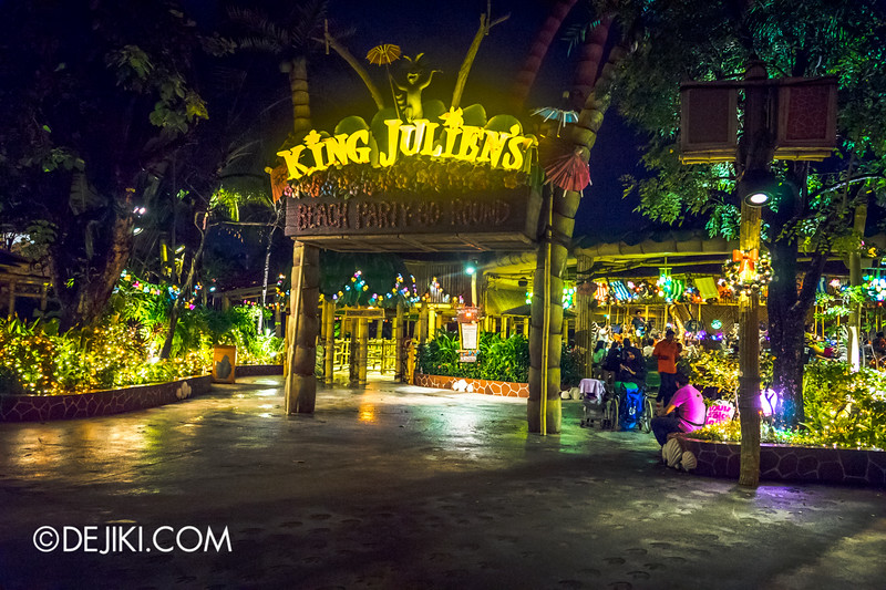 Universal Studios Singapore - Park Update December 2014 - Christmas at Santa's Land / Madagascar at Night 3