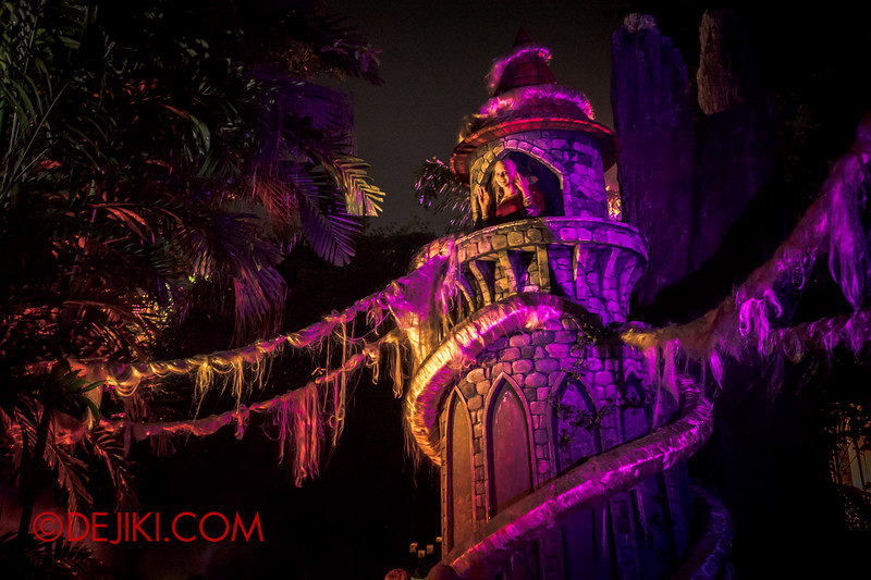 Halloween Horror Nights 4 - Scary Tales scare zone - Rapunzel's Welcome