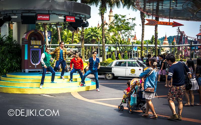 Universal Studios Singapore - The Cruisers