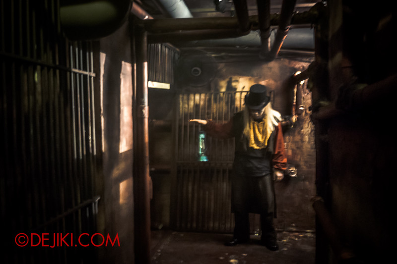 Sentosa Spooktacular 2014 - ALONE Haunted House / The Tunnels of Haunting