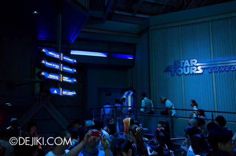 Star Tours: The Adventures Continue, queue concourse 4