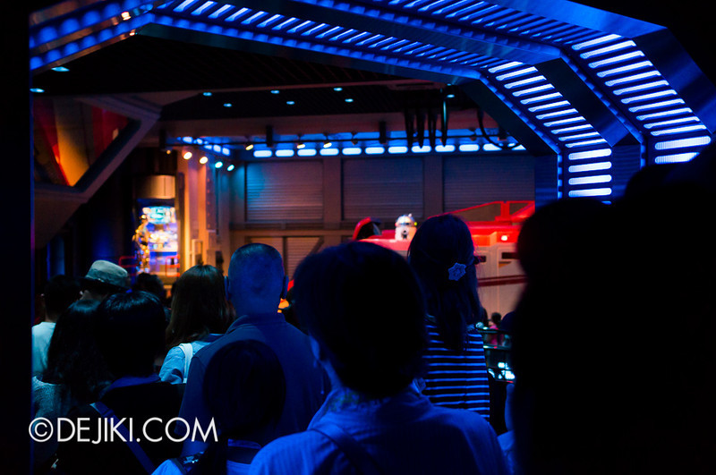 Star Tours: The Adventures Continue, queue bay 2