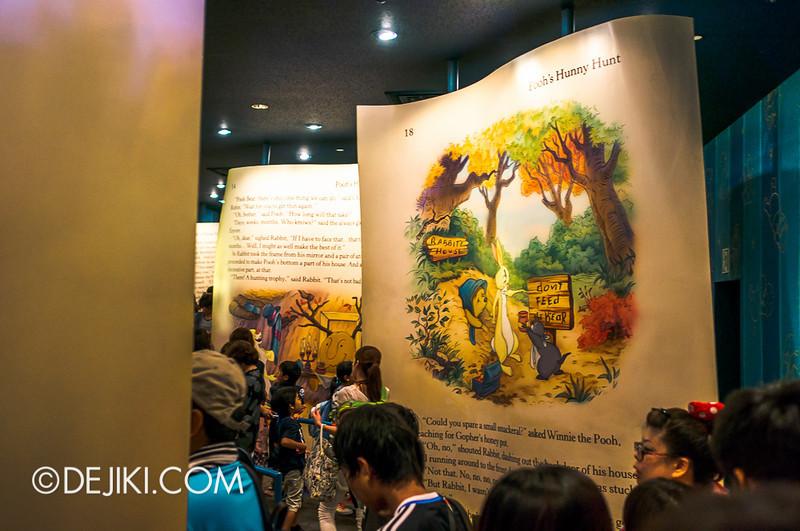 Tokyo Disneyland - Pooh's Hunny Hunt: Queue at load area 4