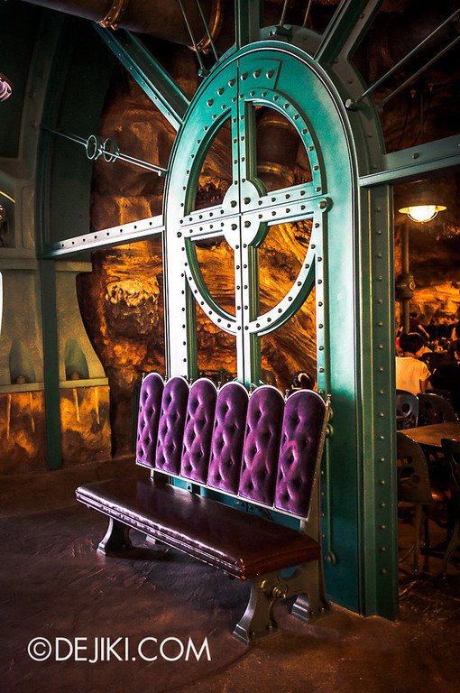 Mysterious Island - Vulcania Restaurant 8