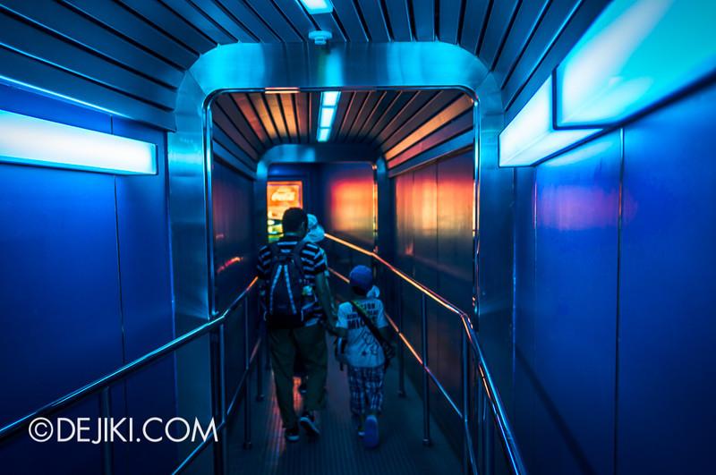 Tokyo Disneyland - Tomorrowland / Space Mountain 6