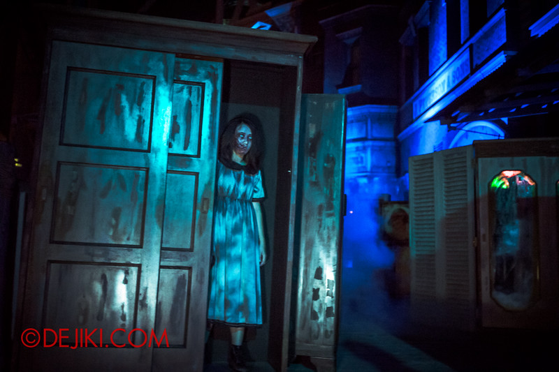 Halloween Horror Nights 4 - Bogeyman scare zone - nightmare in the closets 3