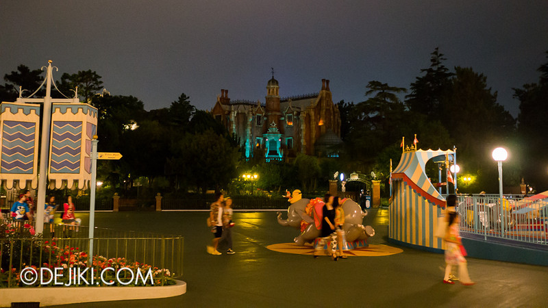 Fantasyland at night - Haunted Mansion