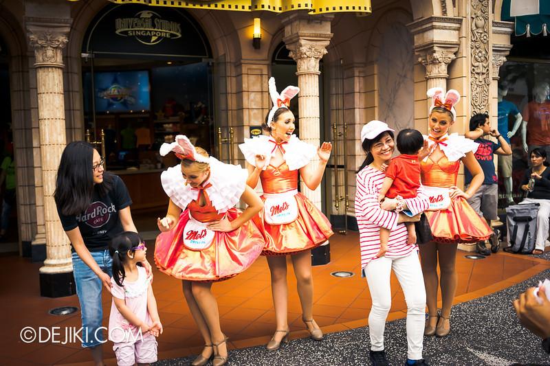Universal Studios Singapore - Photos around the park: Mel's Dinettes