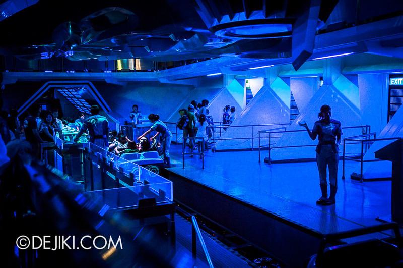 Tokyo Disneyland - Tomorrowland / Space Mountain 13