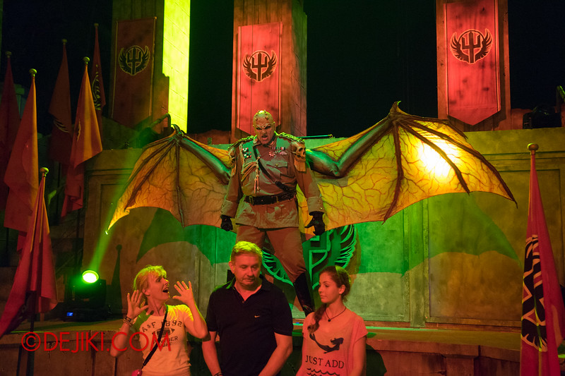 Universal Studios Singapore - Halloween Horror Nights 4 - Minister of Evil taunting guests 6