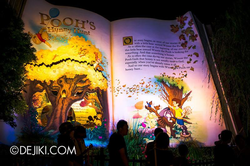 Tokyo Disneyland - Pooh's Hunny Hunt at night