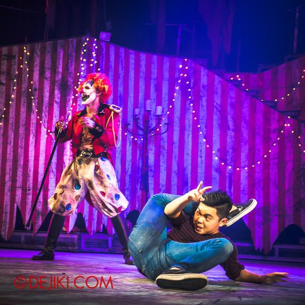 Halloween Horror Nights 4 - Jack's Nightmare Circus - The contortionist 4