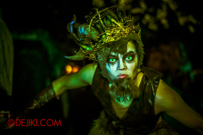 Halloween Horror Nights 4 - Scary Tales scare zone - Satyr