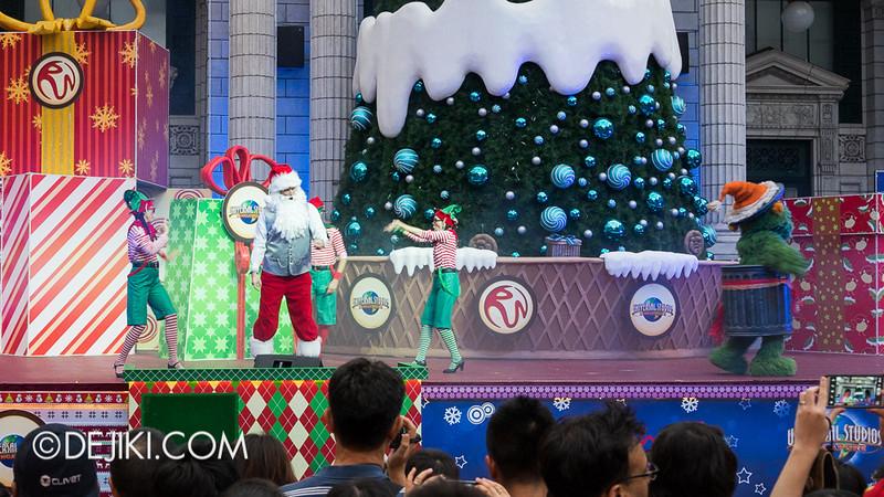 Universal Studios Singapore - Sesame Street Saves Christmas 7