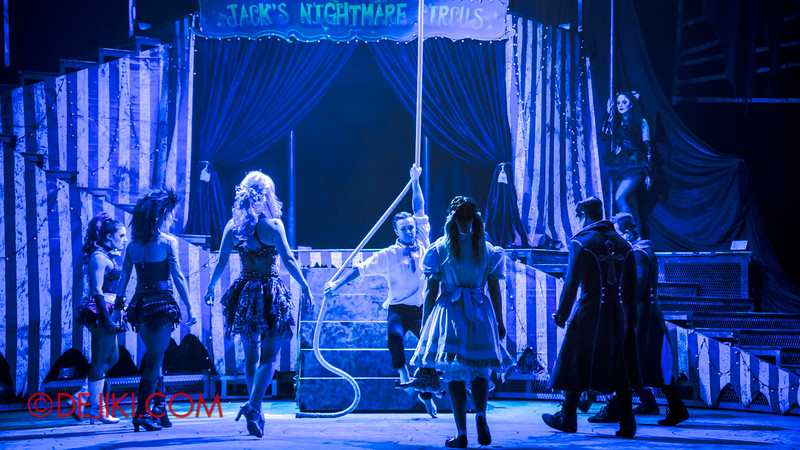 Halloween Horror Nights 4 - Jack's Nightmare Circus - Aerial act
