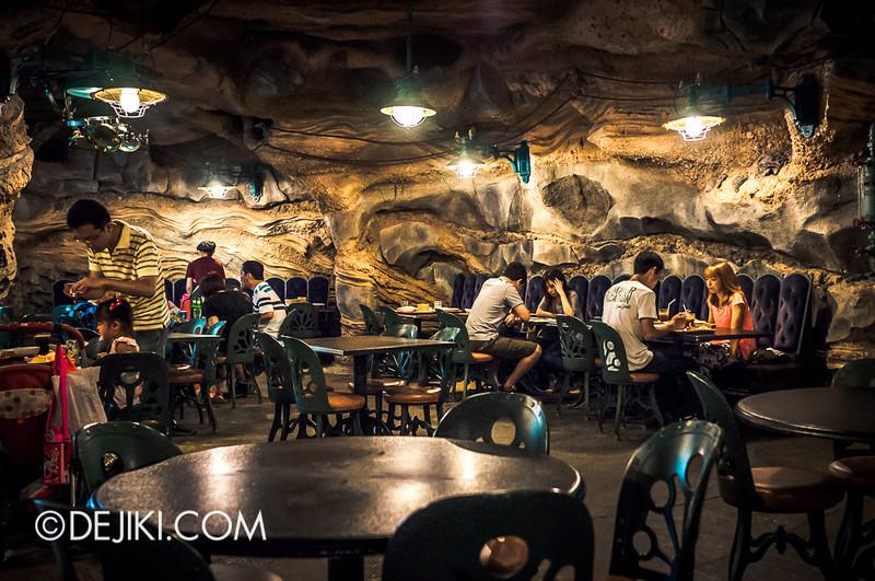 Mysterious Island - Vulcania Restaurant 10