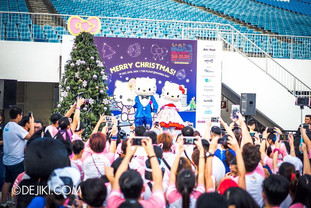 Hello Kitty Night Run 2015 - Dear Daniel and Hello Kitty on stage