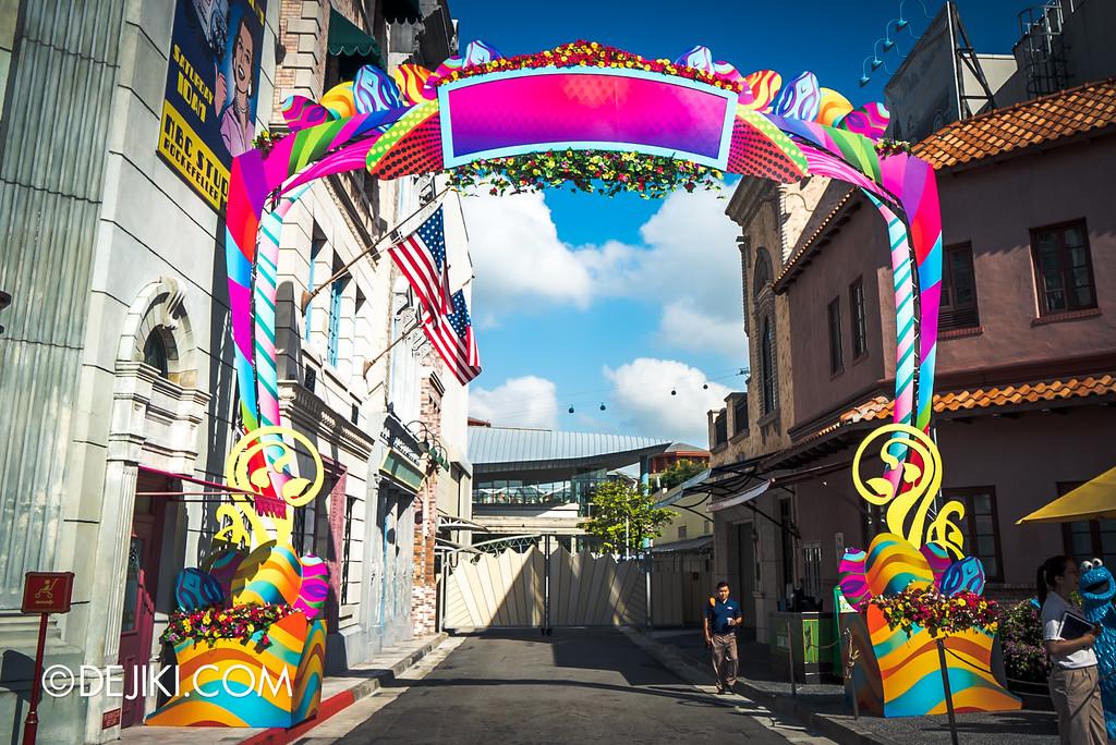Universal Studios Singapore - Park Update March 2016 / Entrance to Eggingham Gardens