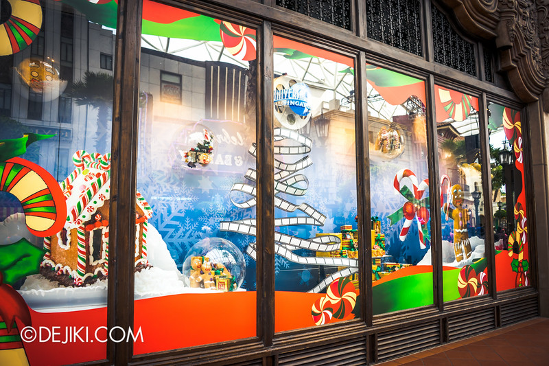 Universal Studios Singapore - Park Update November 2014 - USS Christmas Event - Seasonal Store Display - Hollywood Main Store