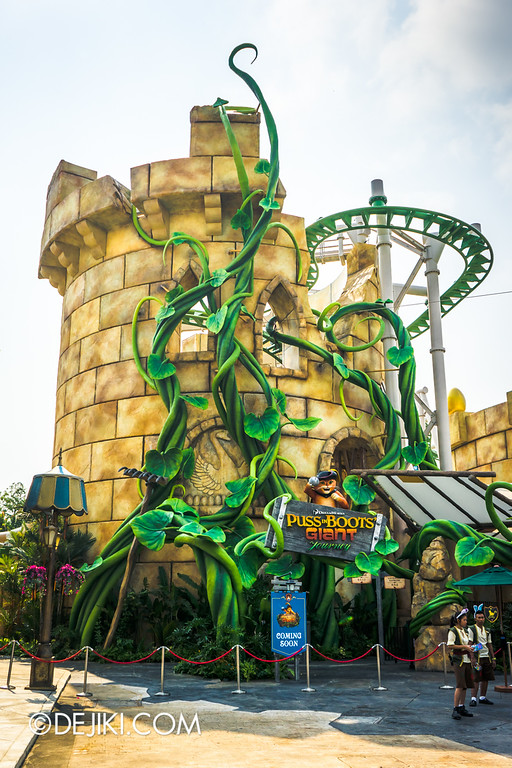 Universal Studios Singapore - Park Update April 2015 - Puss in Boots' Giant Journey ride - The Giant's Castle Tower