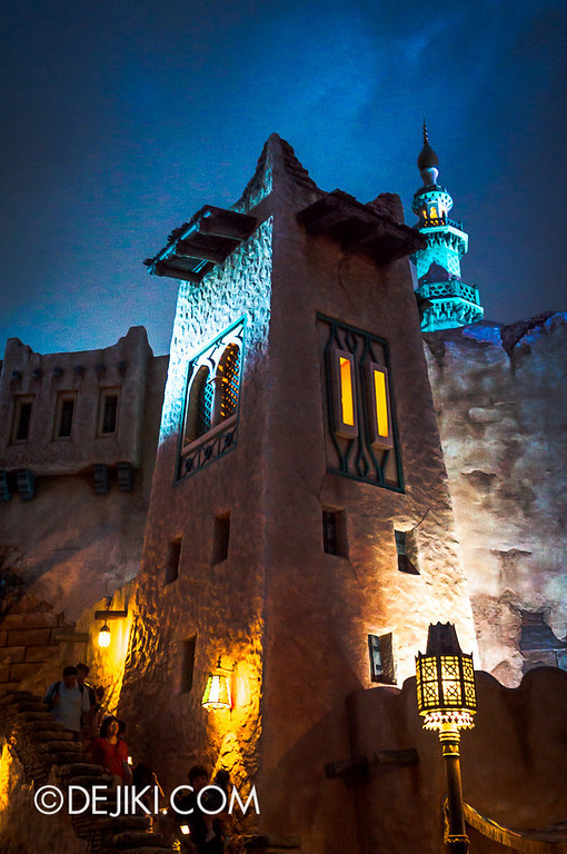 Arabian Coast - Streets at night