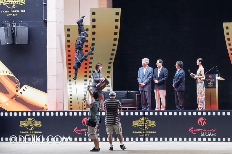 Universal Studios Singapore - Grand Opening 2011 - Tom Williams, Lim Hng Kiang, Tan Sri Lim Kok Thay, Denise Keller