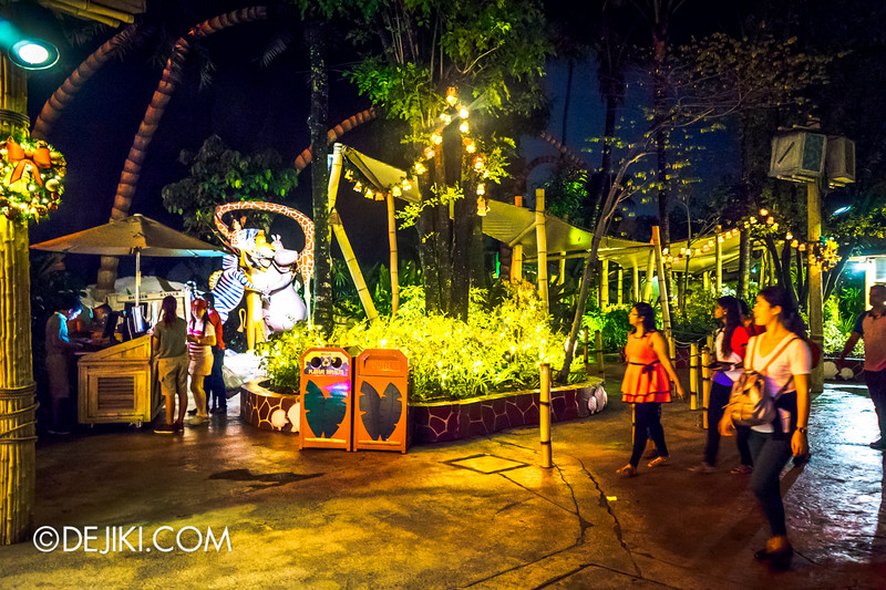 Universal Studios Singapore - Park Update December 2014 - Christmas at Santa's Land / Madagascar at Night
