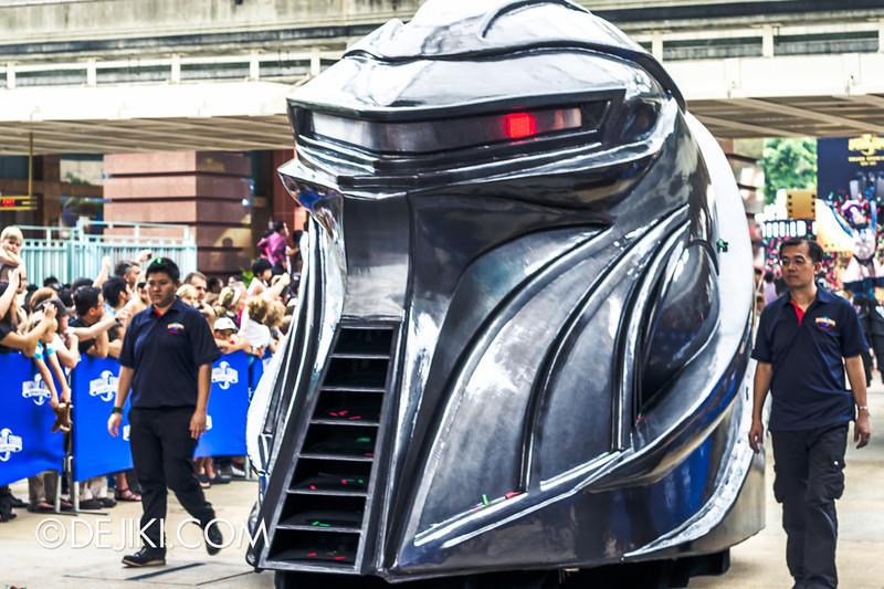 Universal Studios Singapore - Grand Opening 2011 - Parade 10
